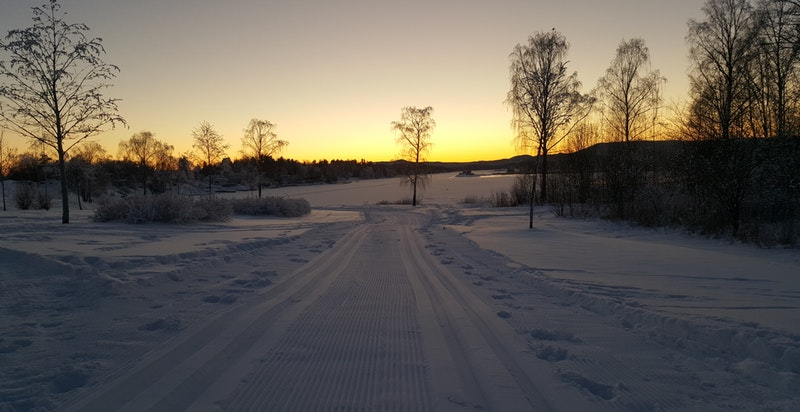 Når det er nok snø, tråkkes det skiløyper på Fornebu.