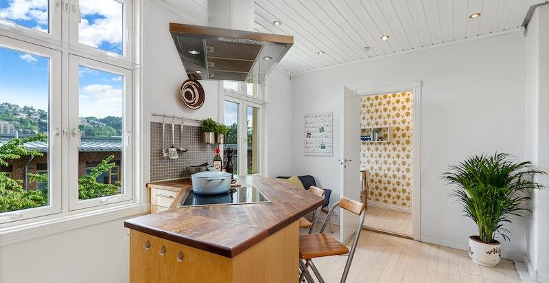 Kjøkken med praktisk øy