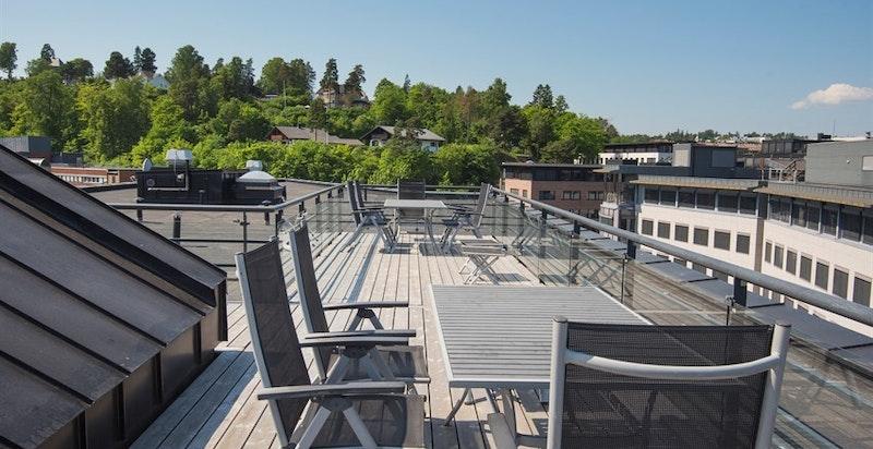 Felles takterrasse fra oppgang 22 - fantastisk utsikt og sol hele dagen