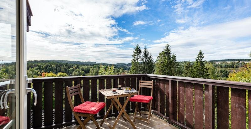 Terrasse med gode solforhold og spektakulær utsikt