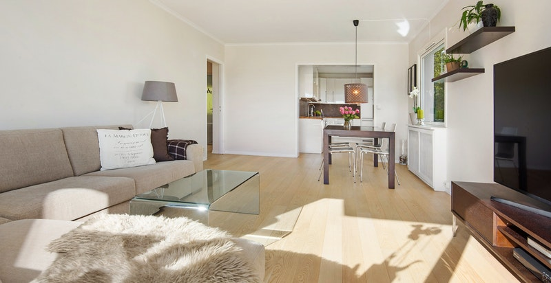 Mye oppgradering/fornying er utført med leiligheten de senere år.