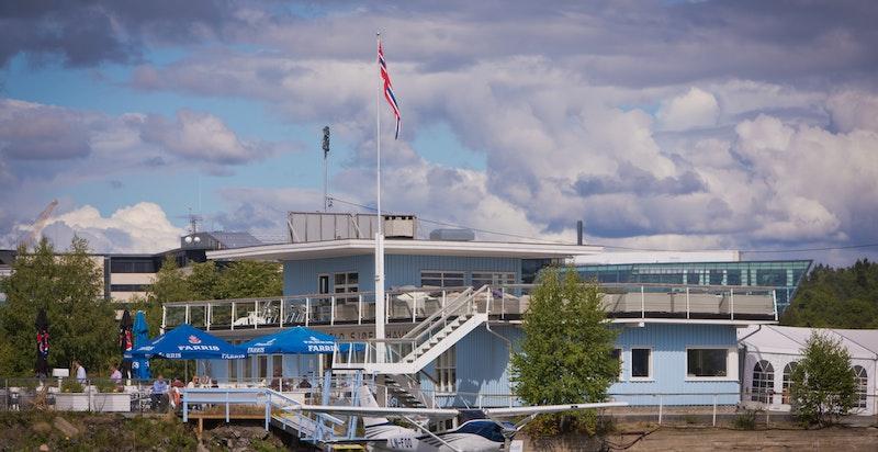 Sjøflyhavna - en lokalt men svært hyggelig serveringssted i Rolfsbukta.