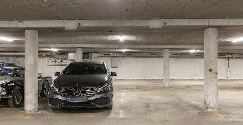 Mulighet for garasjeleie i lukket anlegg (kr 1.441,- pr. mnd)