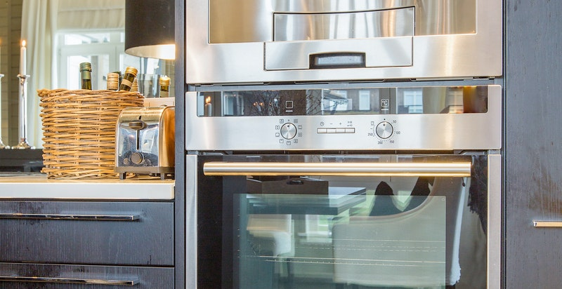 Kjøkken - fullt utstyr av integrerte hvitevarer