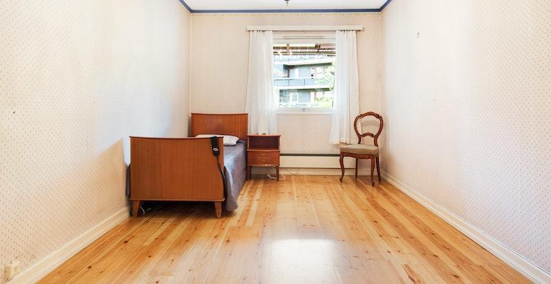 Soverommet med adkomst fra omkl. rom og stuen