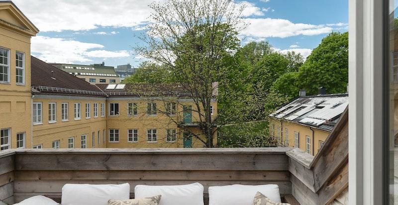 Terrassen vender mot vest