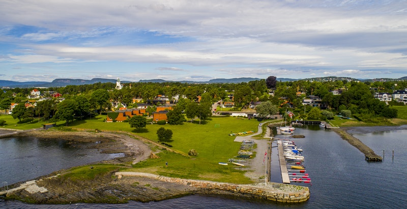Felles båtbrygge for beboerne i Bygdøylund.