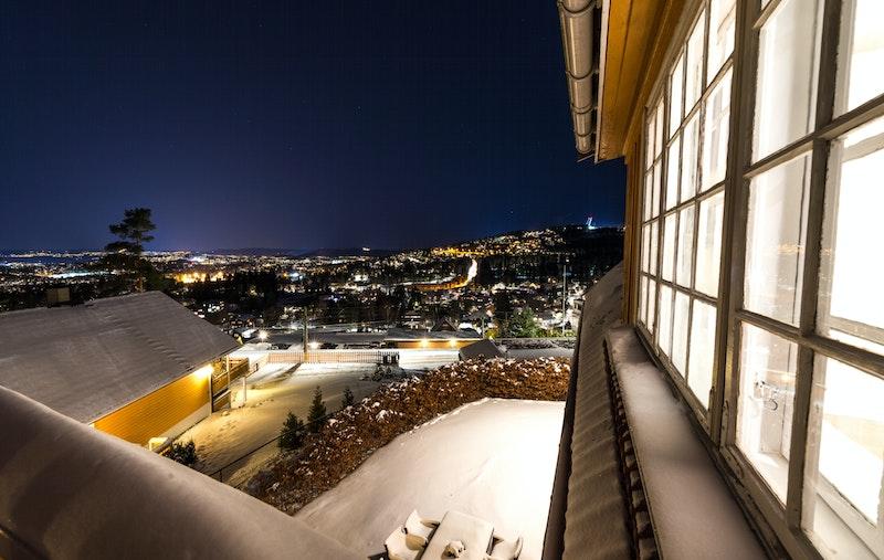 Utsikt fra terrasse i 2. etasje