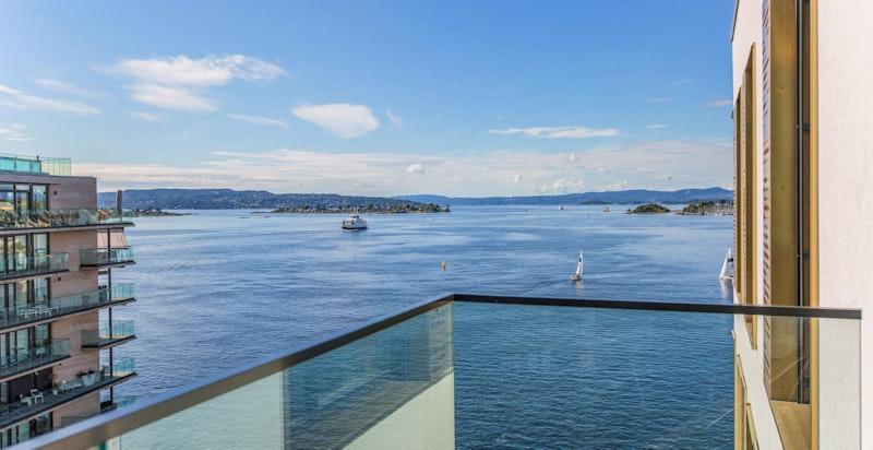 Flott sjøutsikt fra balkongen