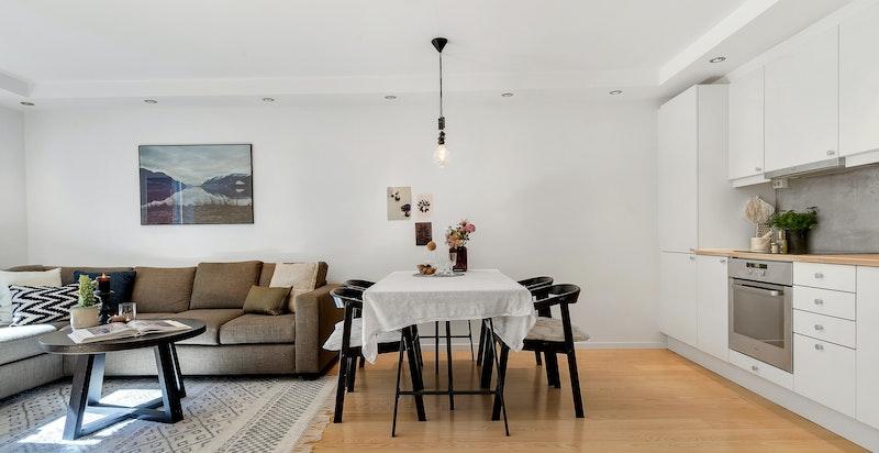 Velkommen til en trivelig 2-roms leilighet som inviterer til en fredelig og harmonisk atmosfære som får de fleste til å føle seg hjemme.