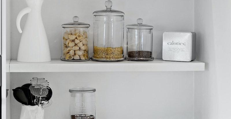 Fin plass i hjørnet for diverse kjøkkenmaskiner