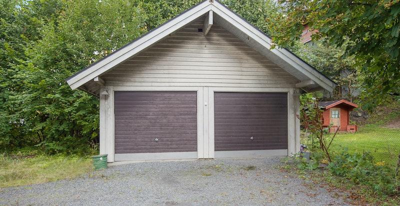 Dobbel garasje