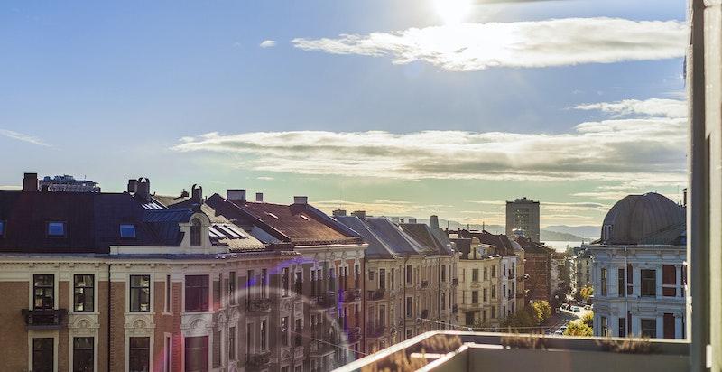 Camilla Colletts vei 2 A -  5. etasje - heis - balkong med utsikt