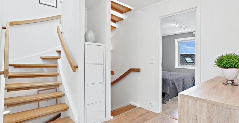 Trapp opp til husets loftetasje