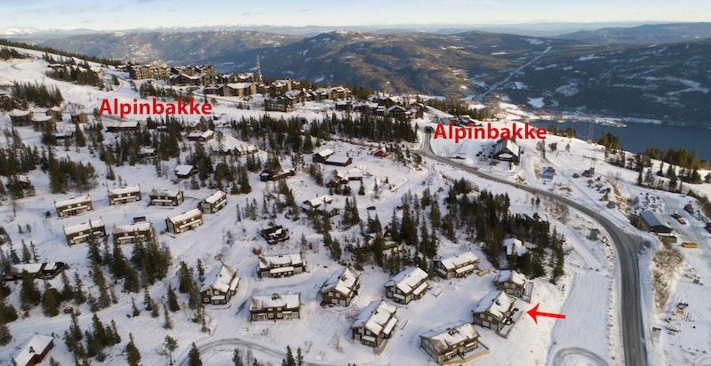 Barnevennlig beliggenhet rett ved alpinanlegget og langrennsløyper
