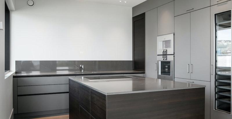 Kjøkken med elegant innredning fra Kvänum