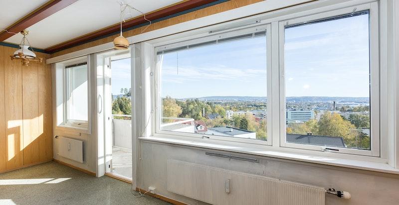 Utgang til balkong fra stuen.