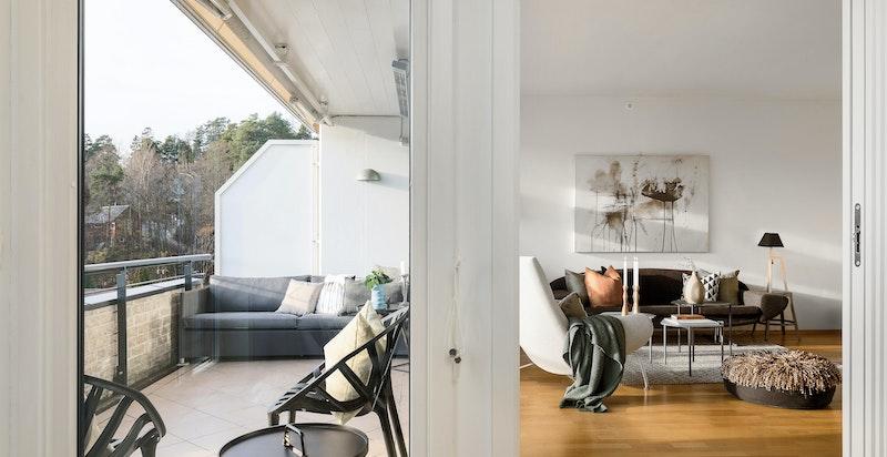 Stue med utgang til sydvendt terrasse på 11,5 kvm