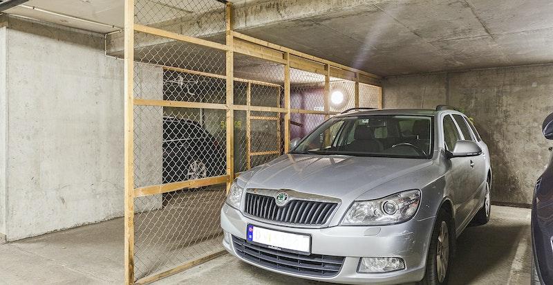 Bruksrett til garasjeplass i nabobygg kan kjøpes