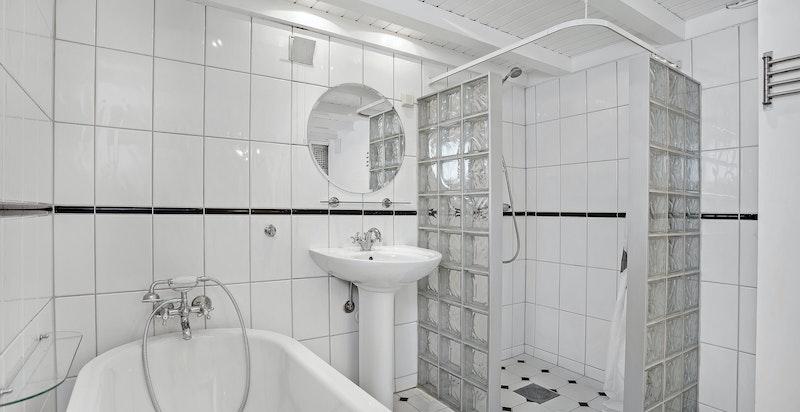 Bad i kjeller
