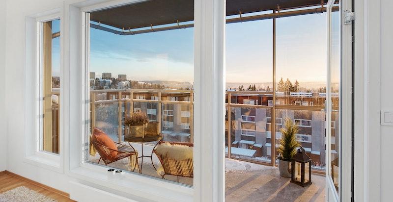 Balkong på ca. 8,5 kvm med nygelig utsikt