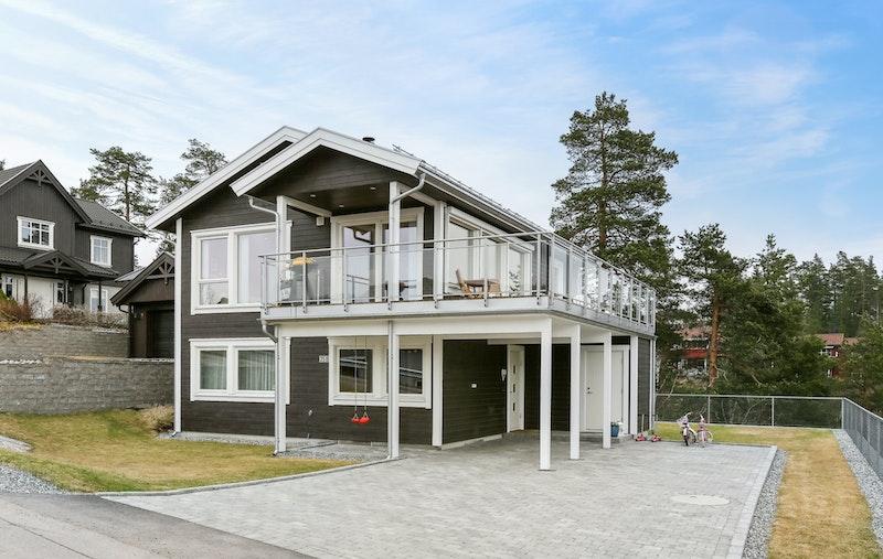 - Lekker, moderne bolig med opparbeidet uteareal-