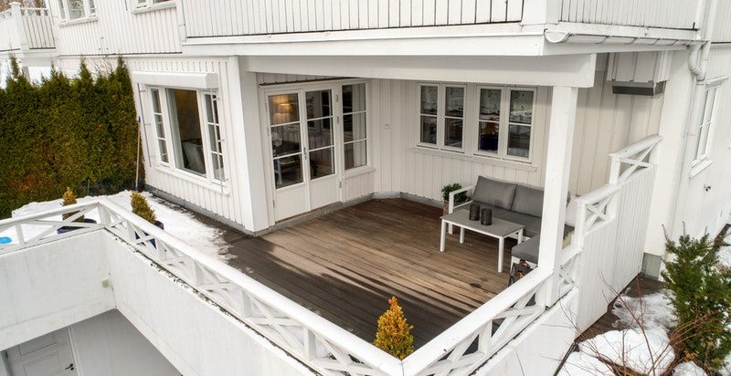 Leilighetens tilhørende terrasse