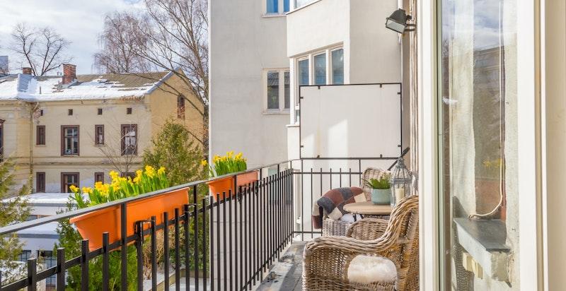 Balkong med gode solforhold (morgen- og dagssol)