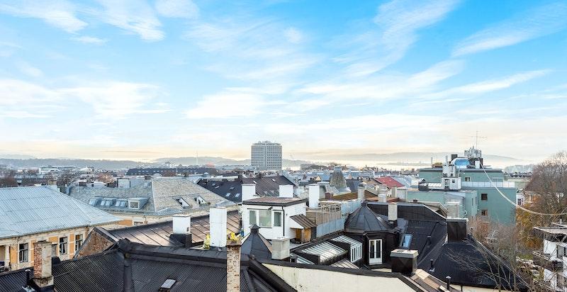 Vakker utsikt over Oslos tak