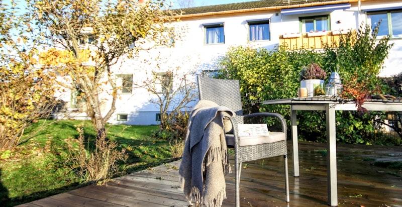 Hver leilighet har egen, privat del av hagen (privat bilde)