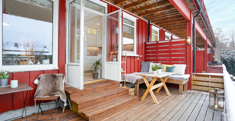 Vestvent terrasse med gode solforhold