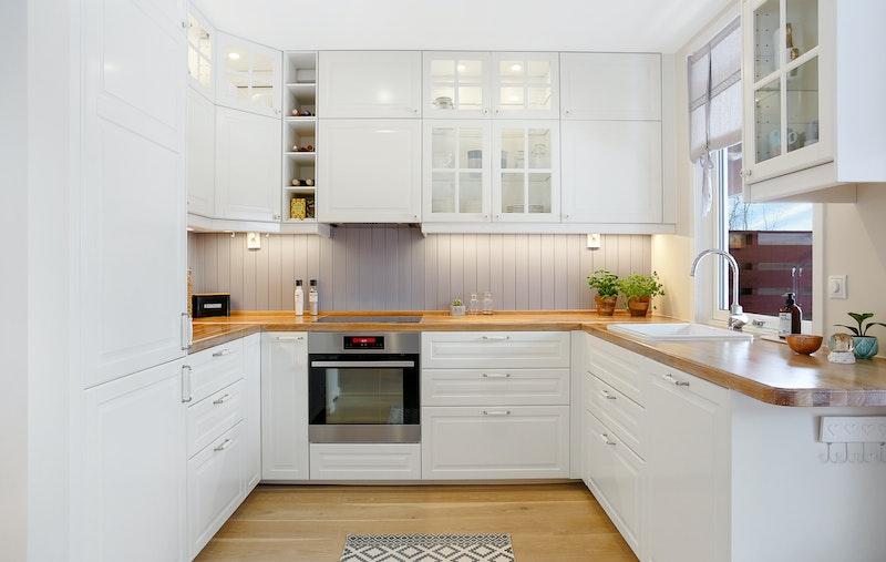 Kjøkken med integrerte hvitevarer fra 2015