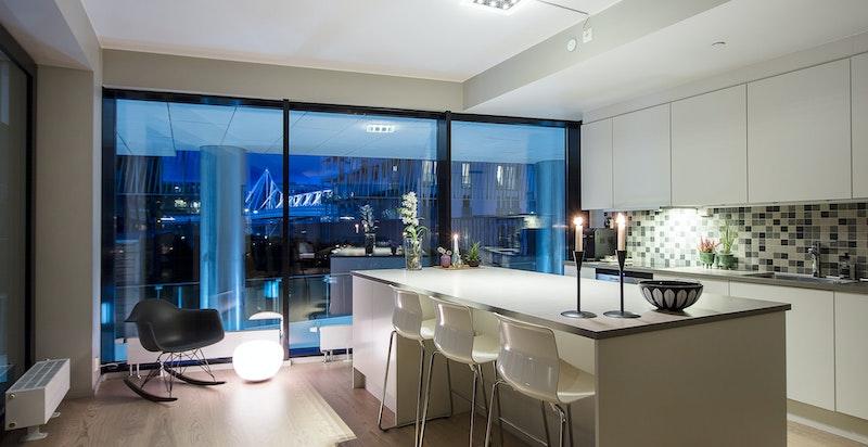 Velkommen til Rostockgata 24 - en leilighet i 2. etasje over tre plan