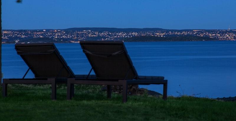 Kveldsbilde fra hagen