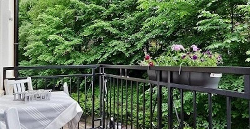 Balkongen på sommerstid.