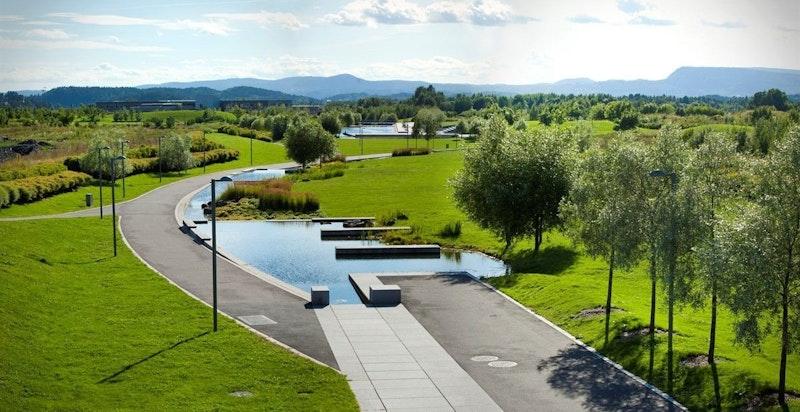 Idylliske Nansenparken rett utenfor med flotte joggemuligheter