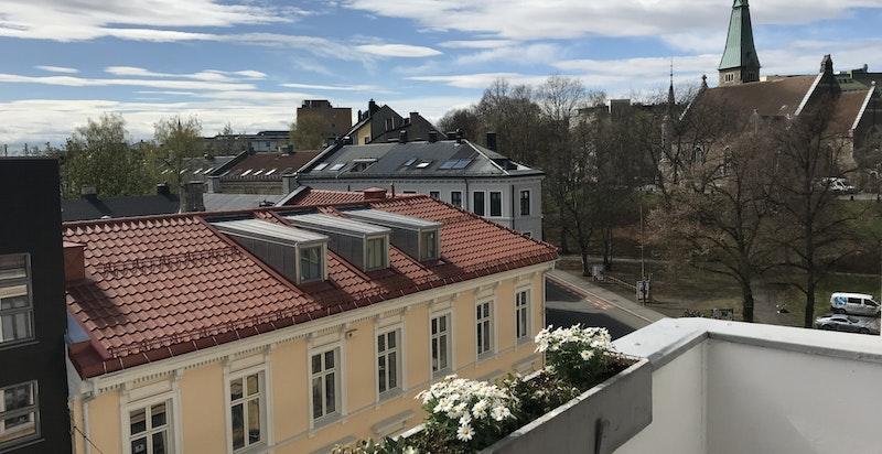 -Sydvestvendt balkong med flott utsikt mot Stensparken-