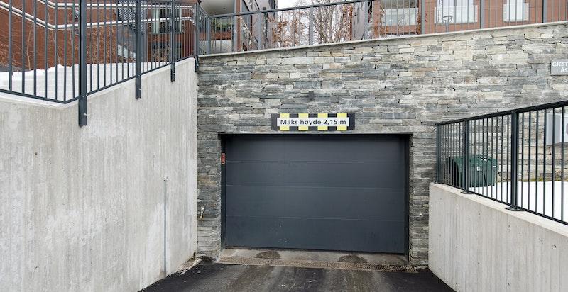 Inn-/utkjøring garasje