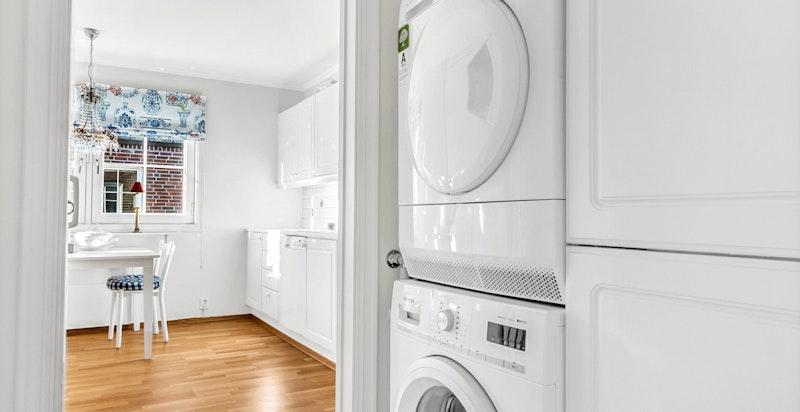Anretning med opplegg til vaskesøyle