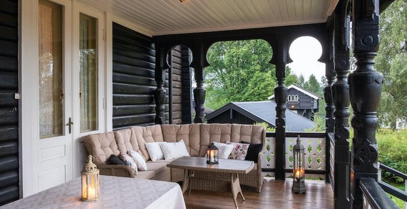 -Overbygget veranda med utgang til haven-