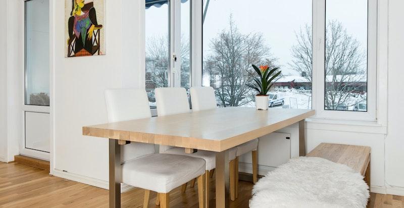 Plass til spisemøblement i stuen