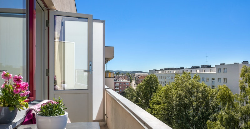 Solrig balkong med gode solforhold