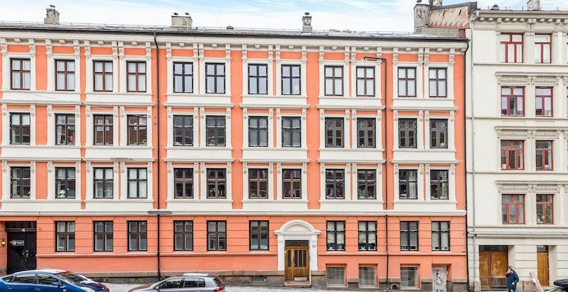 Fasade, sett fra Bjerregaards gate.