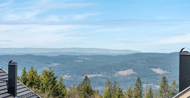 Vidstrakt og idyllisk utsikt mot vest