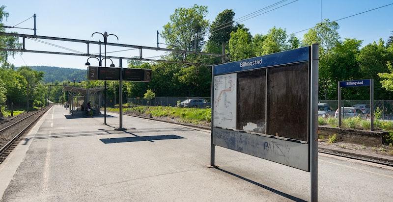 Billingstad stasjon er kun få minutters gange unna