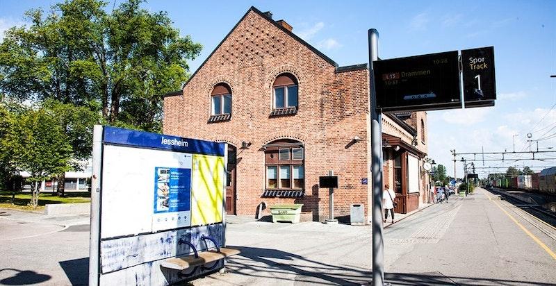 Jessheim stasjon ligger kun 1 km fra Jessheim Hage.