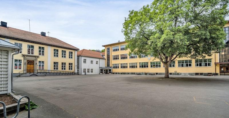 Kort vei til Bygdøy skole med barnehage i bakkant