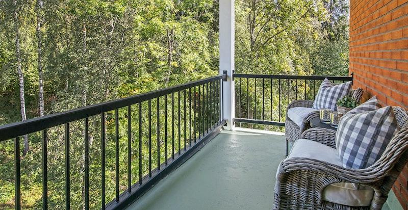 Inntrukket og overbygget terrasse ca. 7 kvm