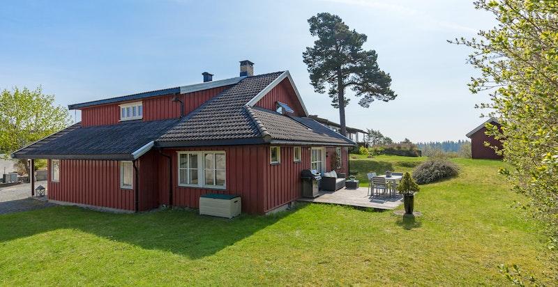 Velkommen til sjønære Bjerkealleen 29 C på Strand/Nedre Høvik!