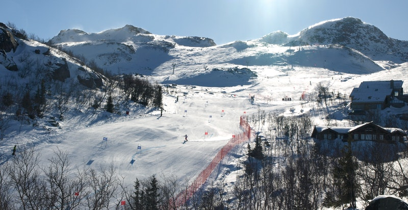 Alpinbakkene ned mot Bygget og stolheisen i Gaustatoppen Naturpark